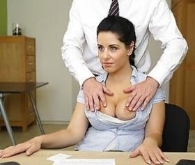 Sesso con i colleghi in ufficio